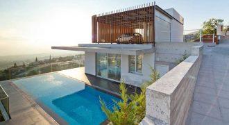 Luxury Villa In Apartment